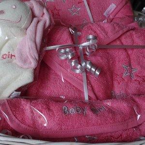 Luxe kraammand met naam baby girl